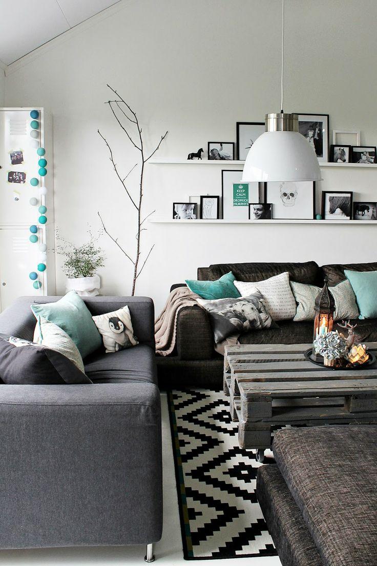 Zwart wit interieur met beetje kleur