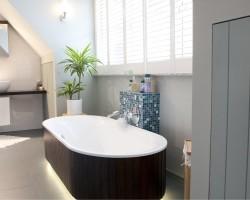Gele voegen badkamer schoonmaken
