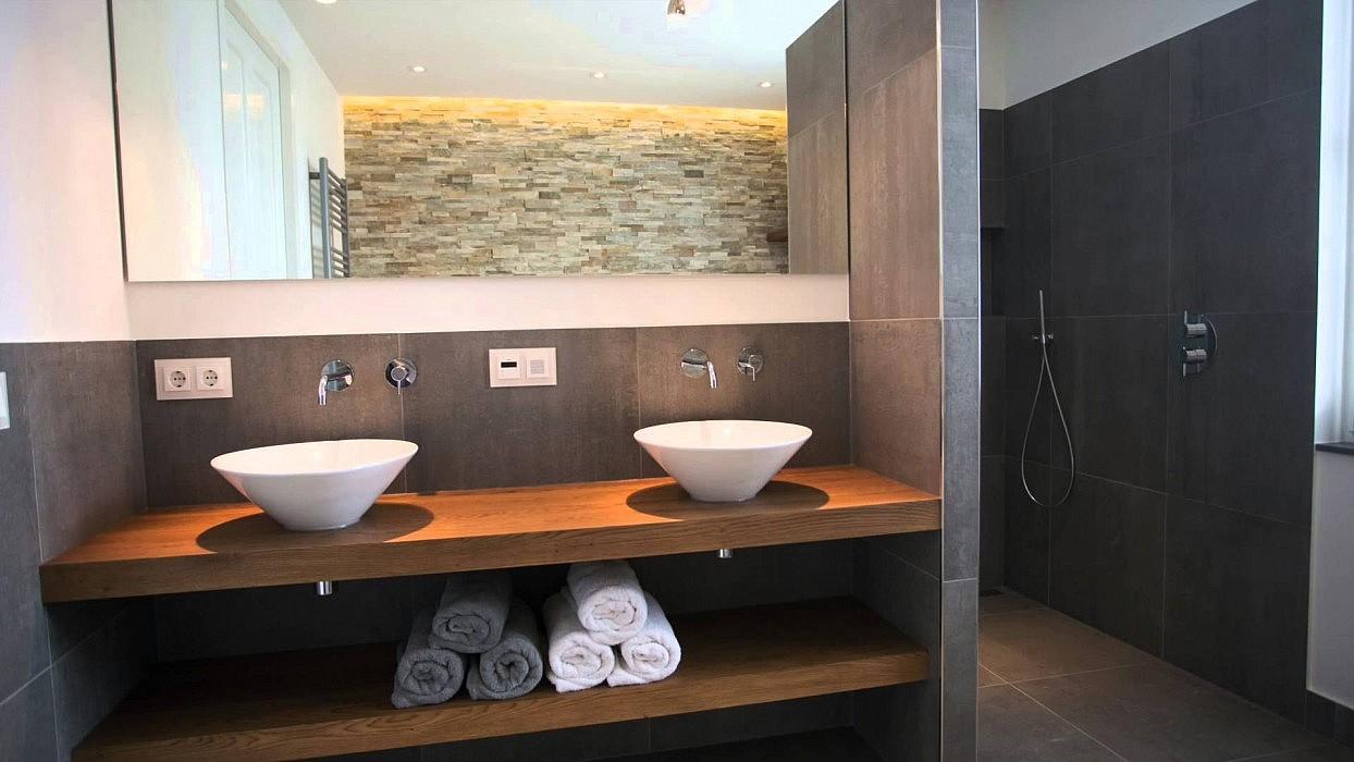 Glanzende of matte tegels in badkamer tgwonen for Matte tegels
