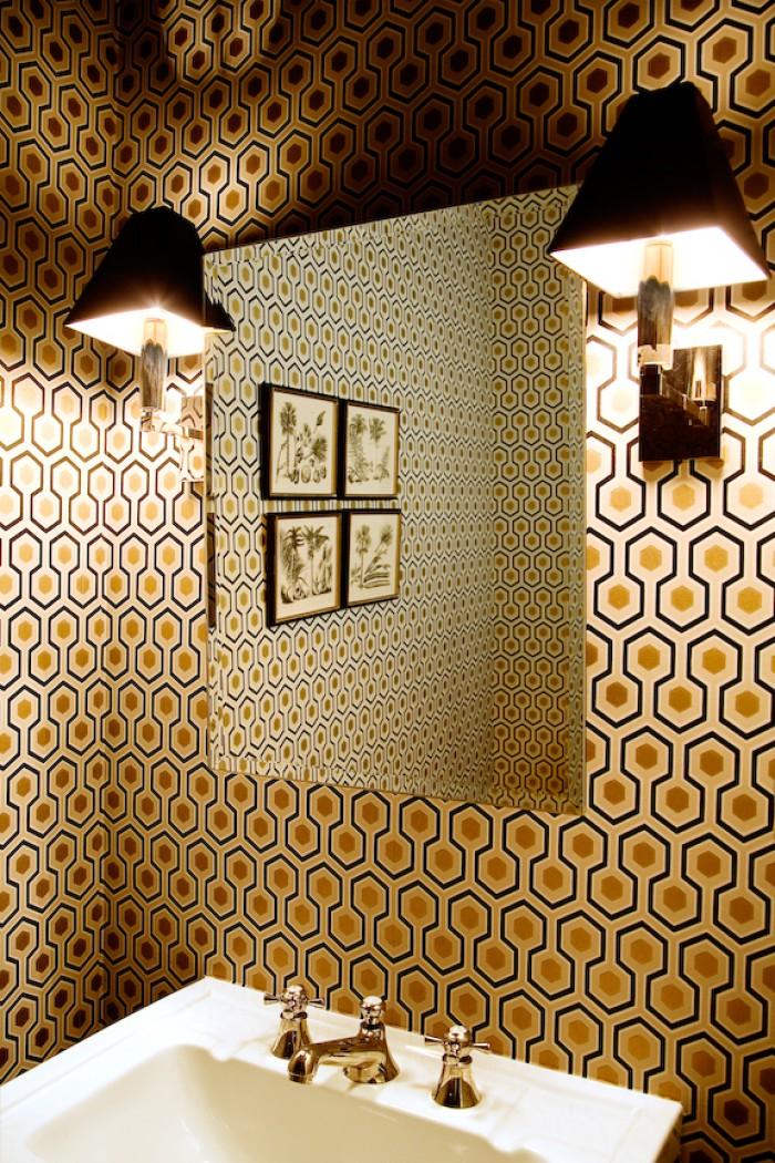 Behang voor in de badkamer tg wonen woonmagazine - Behang voor trappenhuis ...