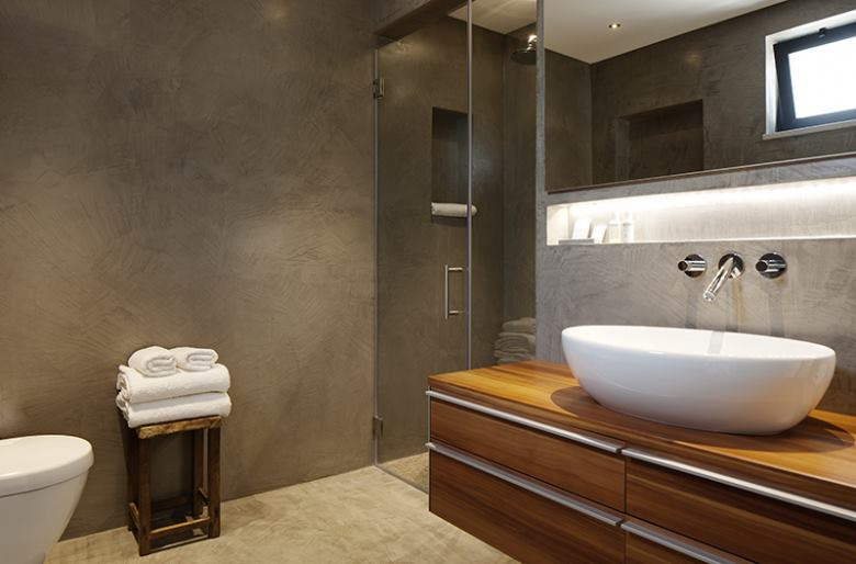 Badkamer stucen betonlook