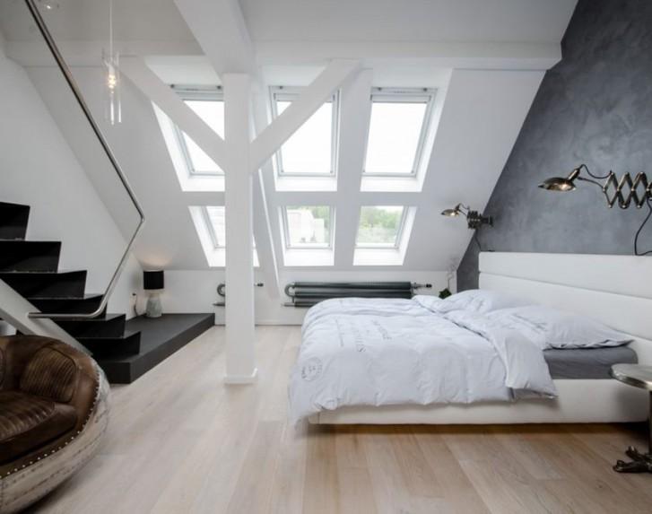 Dakramen in zolderkamer slaapkamer