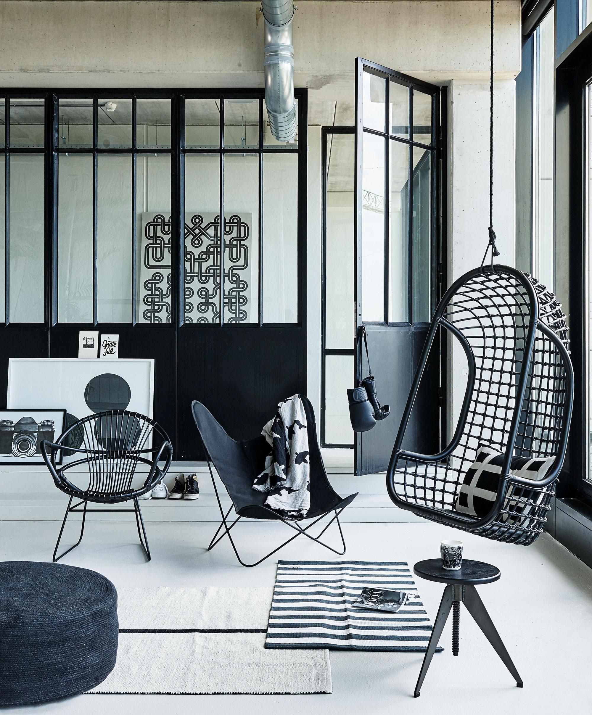Zwarte hangstoel voor mannen