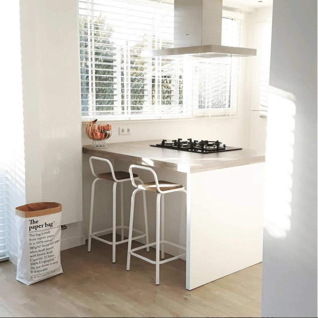 Bar in keuken woonkamer tg wonen woonmagazine - Hoe een keuken te verlichten ...
