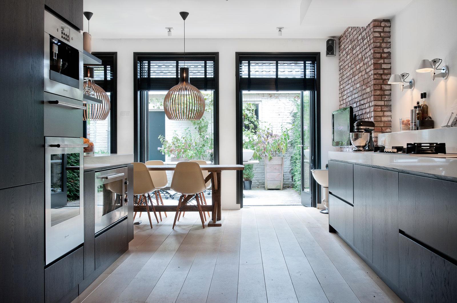 Kleur kozijnen kiezen tg wonen woonmagazine - Kleur witte keuken ...