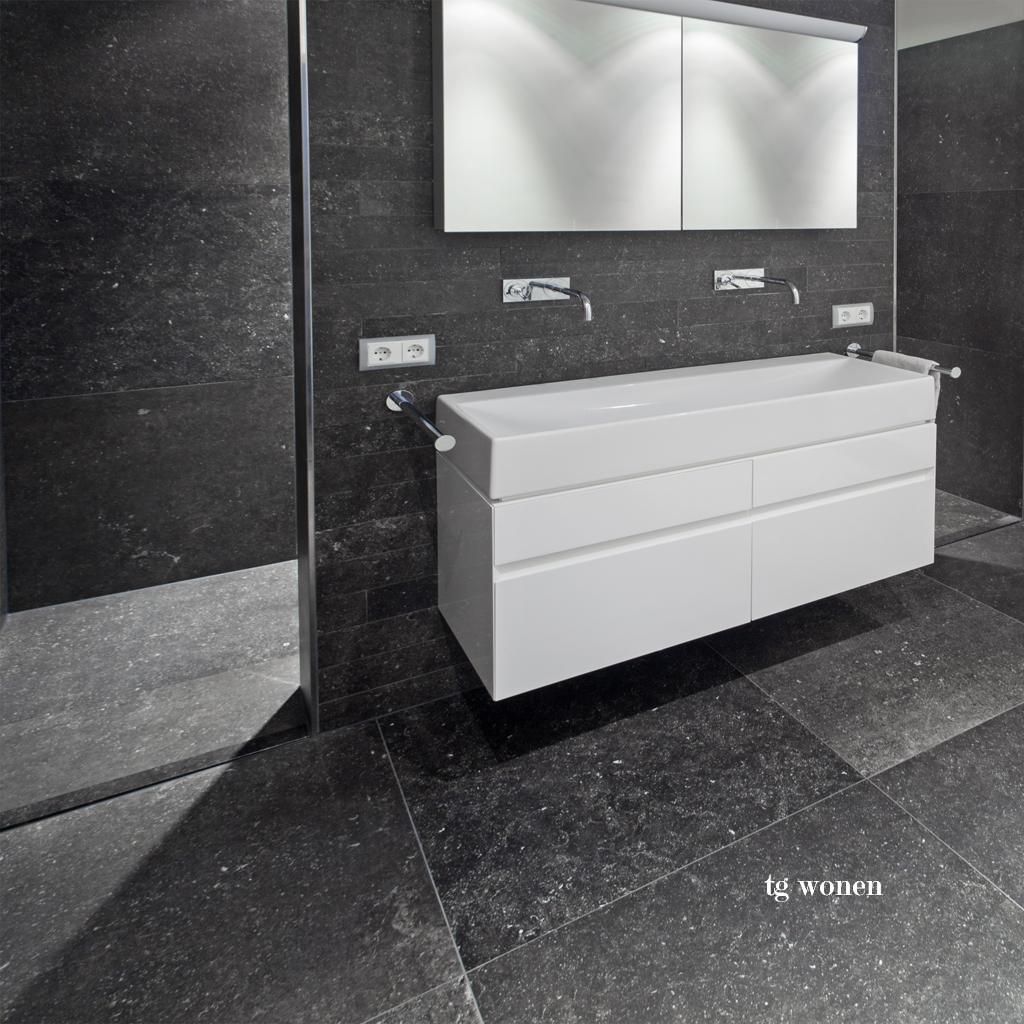 Spiksplinternieuw Welke kleur tegels badkamer - TGWONEN RB-61