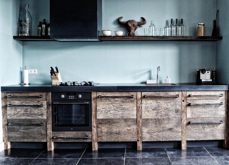 Eikenhouten Keuken met Belgisch Hardsteen