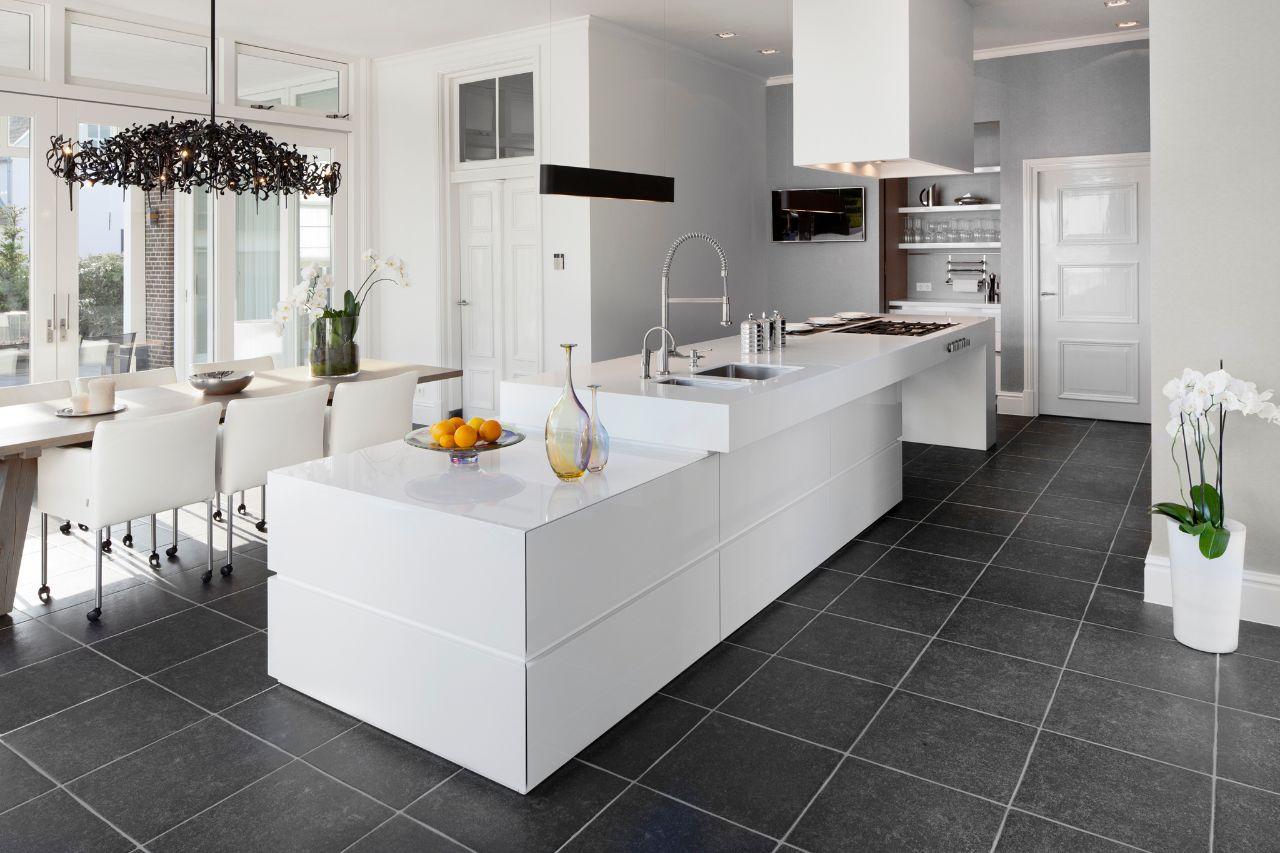 Wat voor vloer in de keuken leggen