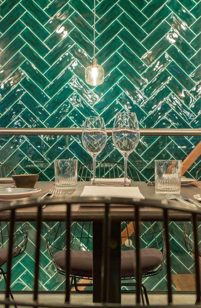 Visgraat Tegels Muur Groen Restaurant